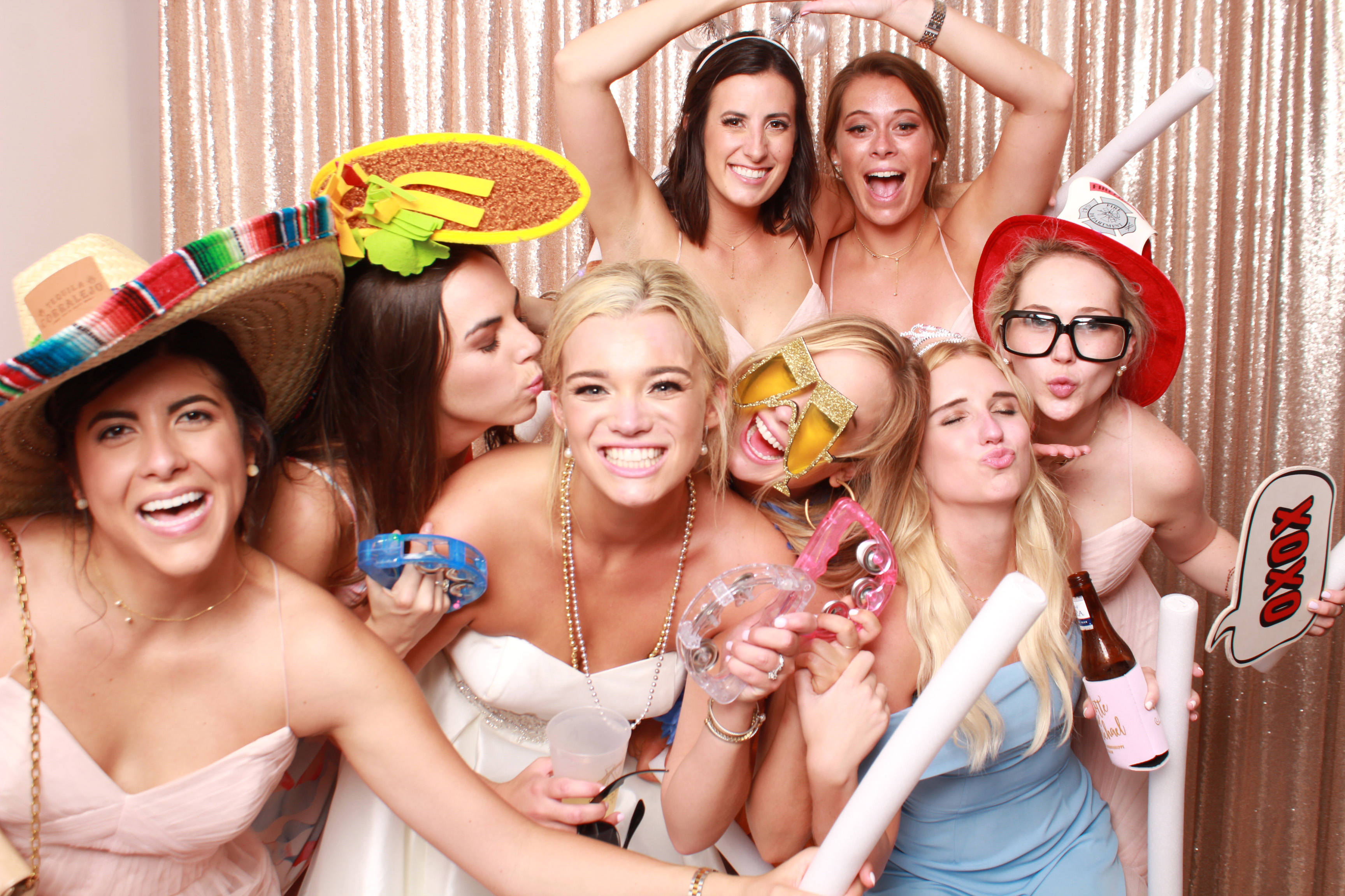 4 Reasons a Classic Photobooth is a  Must For Your Big Day
